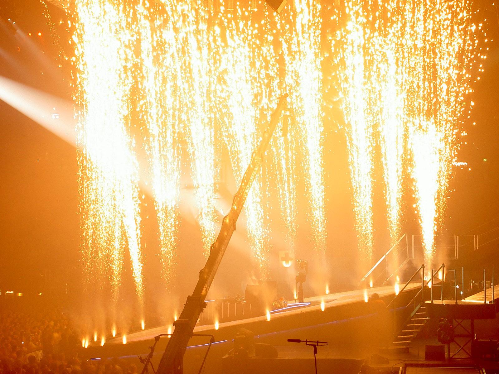 pyro-scene-pyrovision-feux-artifice-ca